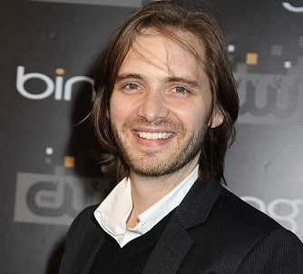 Aaron Stanford Married, Girlfriend, Dating, Relationships, Net Worth