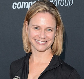 Andrea Barber Husband, Divorce, Pregnant, Kids, Family, Net Worth