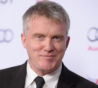 Anthony Michael Hall Married, Wife, Girlfriend, Gay, Net Worth
