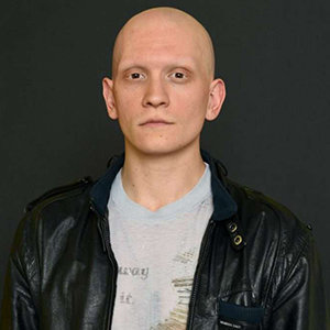 Anthony Carrigan Married, Wife, Gay or Single, Family, Net Worth, Bio
