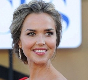 Arielle Kebbel Wiki, Married, Husband, Boyfriend, Dating, Net Worth