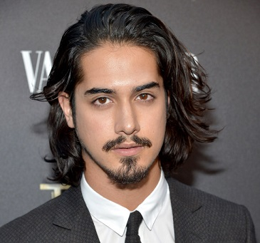 Avan Jogia Wiki, Girlfriend, Dating, Gay, Split, Ethnicity, Parents