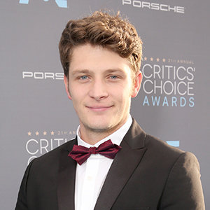 Brett Dier Married, Dating, Girlfriend, Net Worth