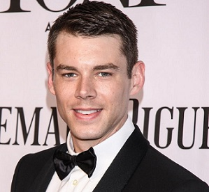 Brian J. Smith Boyfriend, Dating, Gay, Rumors, Interview, Twitter, Bio