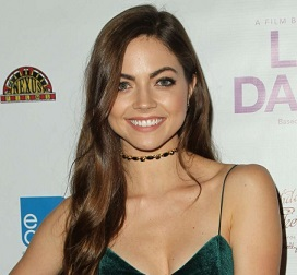Caitlin Carver Wiki, Boyfriend, Dating, Affair, Parents, Net Worth