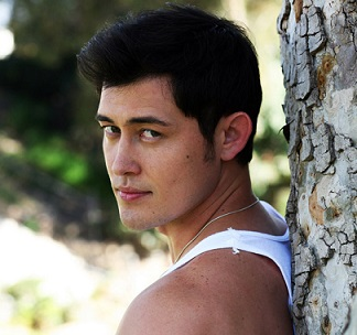 Christopher Sean Wiki, Married, Wife, Girlfriend, Dating, Gay, Ethnicity