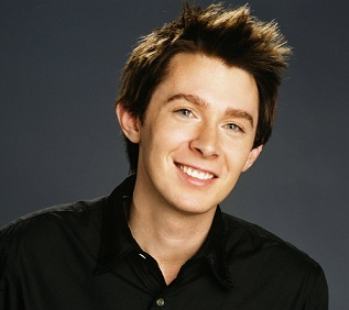 gay not Clay aiken