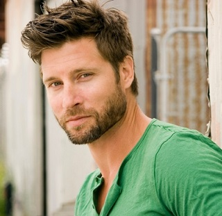 Damon Runyan Wiki, Married, Wife, Girlfriend, Gay, Single, Family