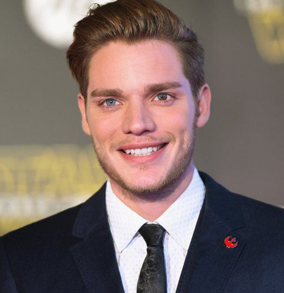 Dominic Sherwood Wiki: Girlfriend, Dating, Gay, Parents, Ethnicity, Net Worth