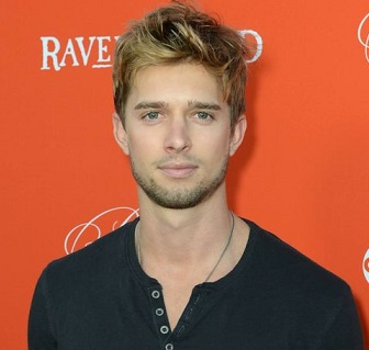 Drew Van Acker Married, Wife, Girlfriend, Dating, Gay, Family, Facts