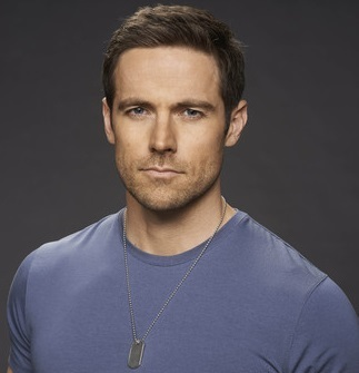 Dylan Bruce Married, Wife, Gir...