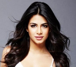 Emeraude Toubia Wiki, Boyfriend, Dating, Parents, Ethnicity, Net Worth