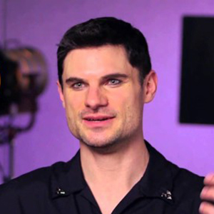 Flula Borg Married, Wife, Girlfriend, Dating, Gay, Parents, Net Worth