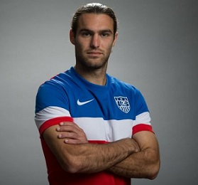 Graham Zusi Married, Wife, Girlfriend, Dating, Shirtless, Contract, Salary