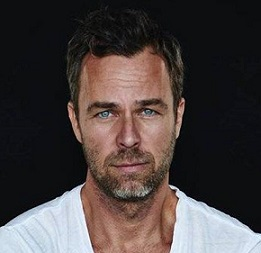 J. R. Bourne Married, Wife, Gay, Girlfriend, Dating, Family, Net Worth