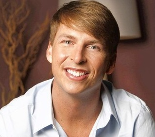 Jack McBrayer Married, Wife or Partner, Girlfriend, Gay and Net Worth