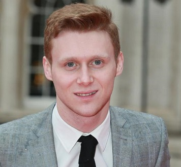 Jamie Borthwick Girlfriend, Dating, Gay, Family, Height, Net Worth