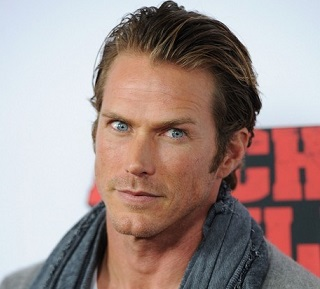 Jason Lewis Married, Wife, Girlfriend, Dating, Gay, Net Worth, Tattoo