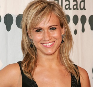 Jennifer Landon Married, Husband, Boyfriend, Siblings, Net Worth, Height