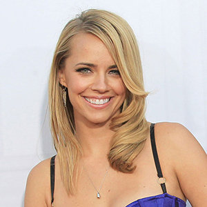 Jessica Barth's Bio: Married, Boyfriend, Dating, Measurements