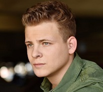 Jonathan Lipnicki Wiki, Girlfriend, Dating or Gay/Shirtless