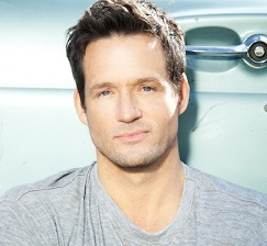 Josh Hopkins Married, Wife, Girlfriend, Dating, Gay, Shirtless, Net Worth