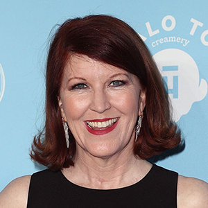 Kate Flannery Married, Husband, Divorce, Family, Cancer, Net Worth, Height