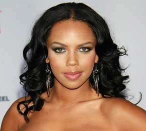 Kiely Williams Wedding, Husband, Pregnant, Net Worth, Sister