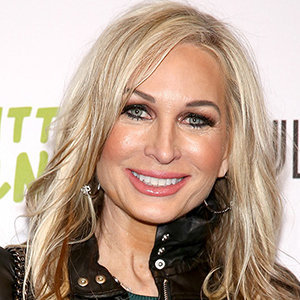 Kim DePaola Wiki: Age, Birthday, Husband, Fiance, Son, Net Worth, Family