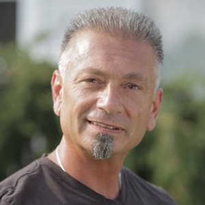 Larry Caputo, Theresa Caputo's Ex Husband Wiki: Age, Family, Job, Net Worth