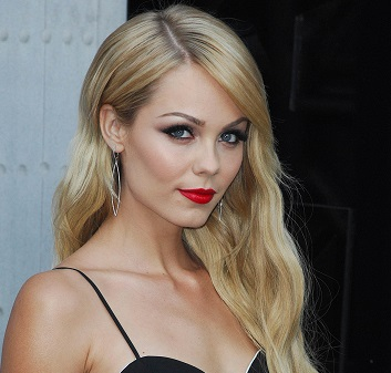 Laura Vandervoort Wiki, Married, Husband, Net Worth