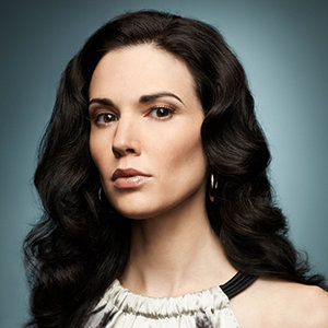 Laura Mennell Married, Husband, Boyfriend, Relationship, Family, Bio