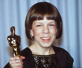 Linda Hunt Wiki, Young, Health, Wife, Retiring, Awards, Net Worth