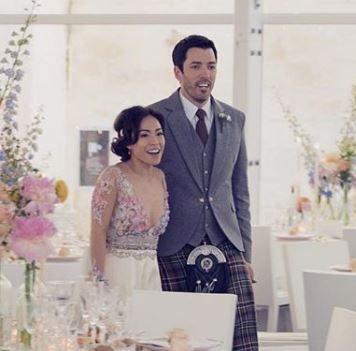 Drew Scott Wedding Date.Linda Phan Wiki Age Ethnicity Engaged Married Height Parents