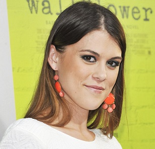 Lindsey Shaw Boyfriend, Dating, Lesbian, Weight Loss, Net Worth, Bio