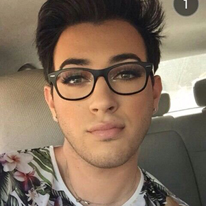Manny MUA Wiki, Age, Parents, Siblings, Gay, Net Worth, Height