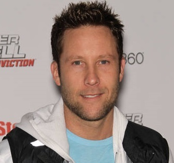 Michael Rosenbaum Married, Wife, Girlfriend, Dating, Gay