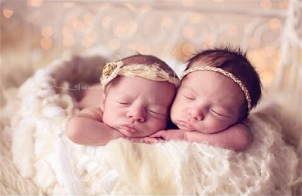 Soon The Couple Publicly Announced They Were Expecting A Child In 2013 But Hadnt Revealed That Would Be Having Twins