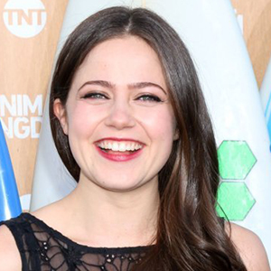 Molly Gordon Wiki, Age, Birthday, Boyfriend, Dating, Affair, Parents, Height