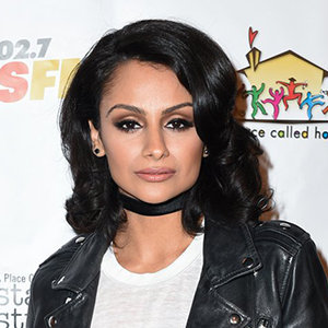 Nazanin Mandi Wiki: Parents, Ethnicity, Partner, Affair, Height, Net Worth