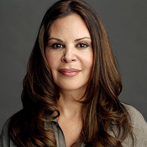 Nely Galan Wiki: Married, Husband, Relationship, Family, Net Worth, Height
