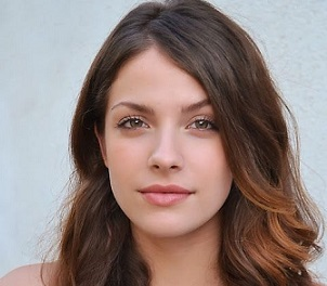 Paige Spara Wiki, Age, Married, Boyfriend, Dating, Parents, Height