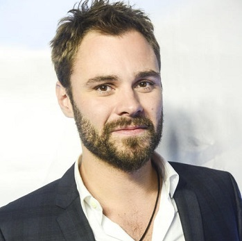 Patrick Flueger Married, Wife, Girlfriend, Dating, Gay, Net Worth