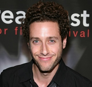 Paulo Costanzo Married, Wife, Girlfriend, Dating, Gay, Net Worth