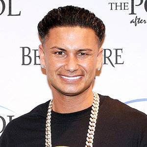 Is pauly d dating anyone