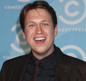 Pete Holmes Married, Wife, Divorce, Girlfriend, Gay, Net Worth, Parents