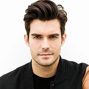 Peter Porte Wiki: Married, Wife, Gay, Shirtless, Dating, Parents, Net Worth