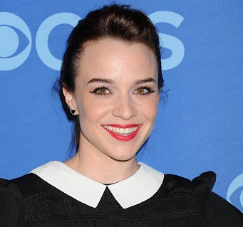 Renée Felice Smith Married, Husband, Boyfriend, Single, Net Worth