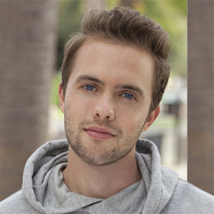 Ryland Adams Wiki: Age, Birthday, Height, Boyfriend, Gay, Sister, Net Worth
