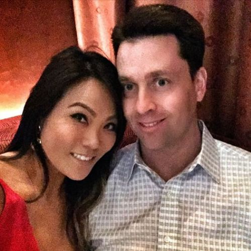 Dr  Sandra Lee Wiki, Husband, Net Worth, Family, Age, Facts